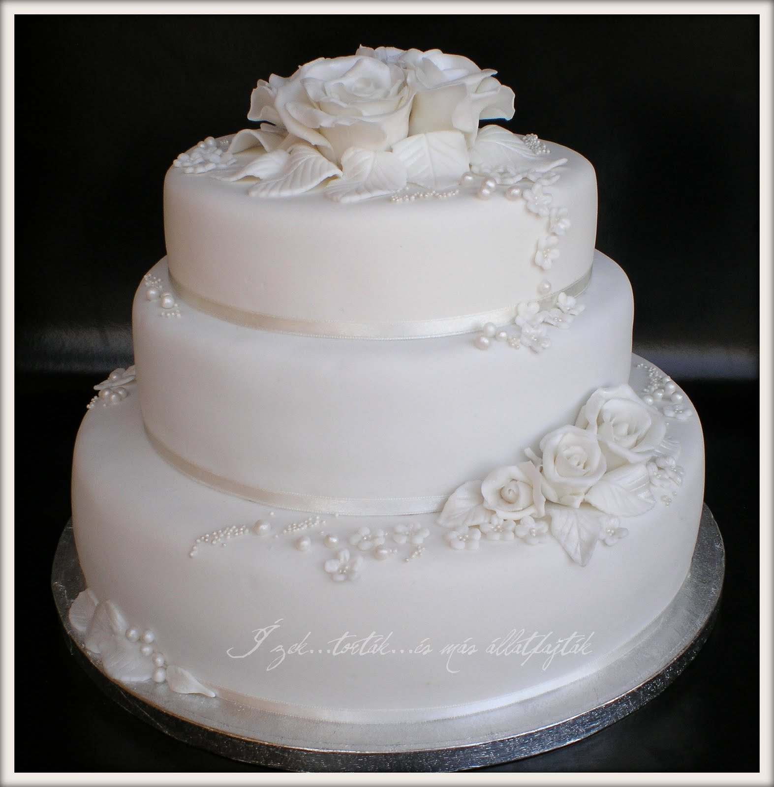 menyasszonyi torta képek Ízektortákés más állatfajták: Menyasszonyi tortám   az első! menyasszonyi torta képek
