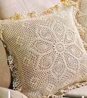 http://crochetesquemas.blogspot.cl/p/cojin-10.html