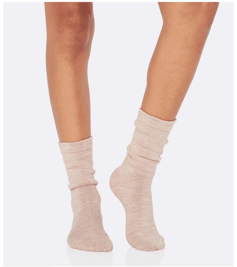 冷えとりに最適な温かい厚めのオーガニック靴下の画像写真