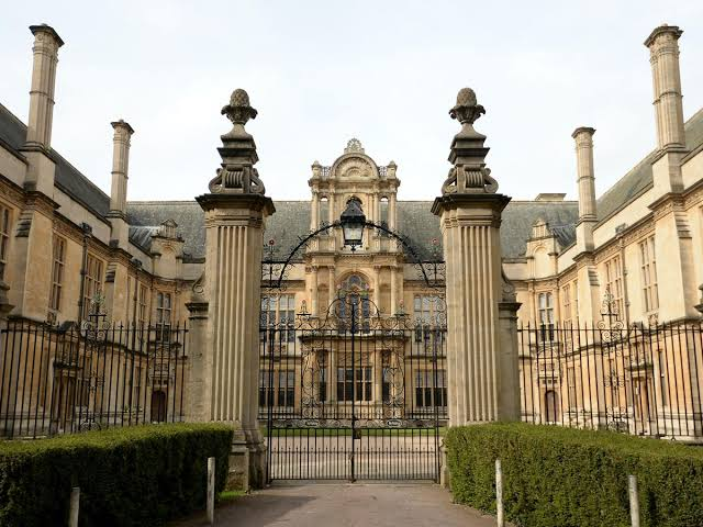 Fully Funded Clarendon Scholarship At Oxford University, UK - See Eligibility And Deadline