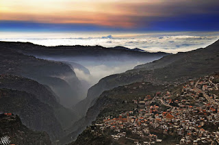 جولة الكــاميرا- وادي قاديشا لوحة أسطورية من لبنان