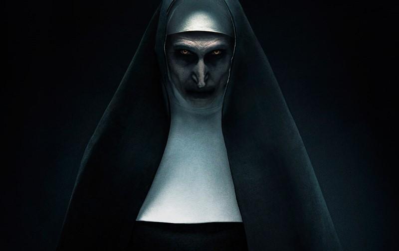 """Novas imagens do terror """"A Freira"""" apresentam a atmosfera sombria"""