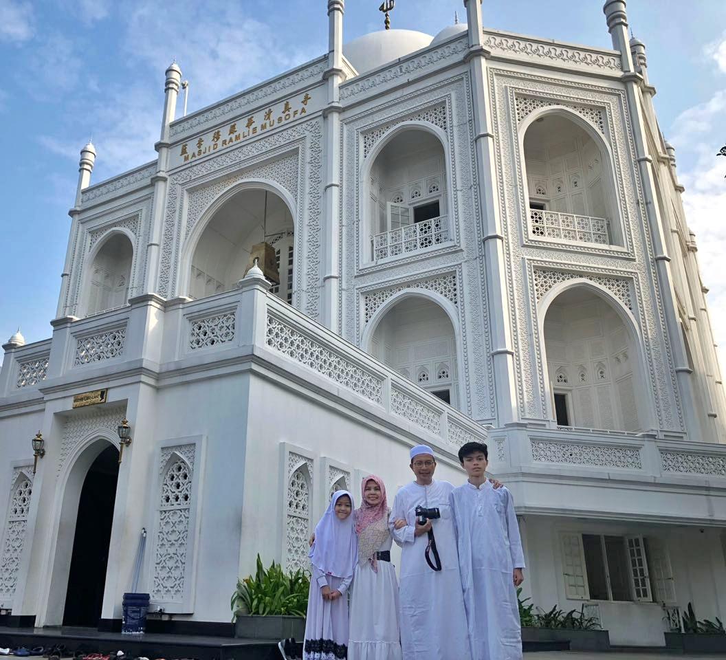 Ramlie Rasyidin mualaf pendiri mesjid Taj Malal Sunter Jakarta
