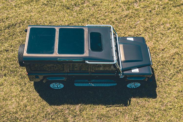 Land Rover Defender cửa sổ trời 'khủng', máy V8 tới 430 mã lực