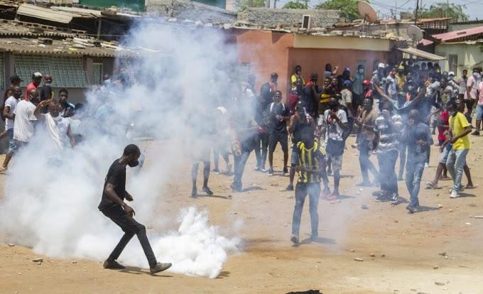 """UNITA condena atuação da polícia na manifestação de Luanda e fala em """"abuso de poder"""""""