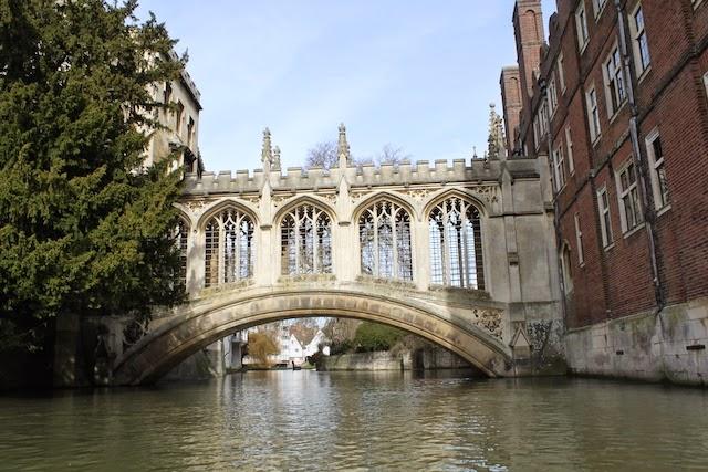St John College, puente suspiros