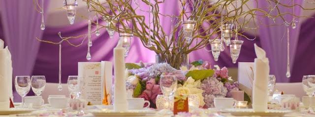 purple curtain, table decora