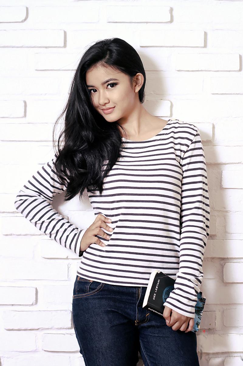 Cewek manis Ratu FTV Adinda Azani seksi dan manis
