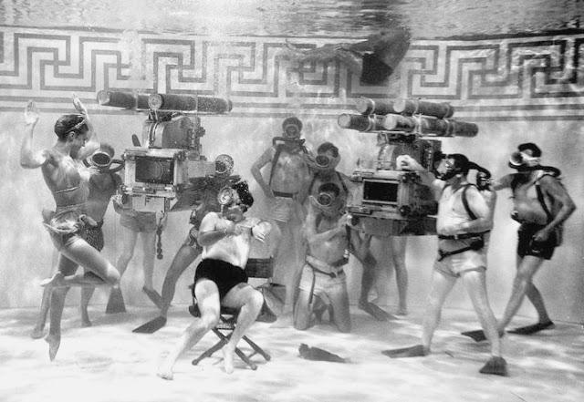 Foto dos bastidores do filme Júpiter's Darling, de 1955.