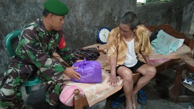 Peduli Pejuang, Babinsa Cawas Anjangsana ke Rumah Veteran