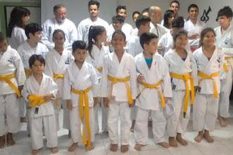 ONG Ceacri promove exame para troca de faixas de alunos inscritos nas oficinas de lutas