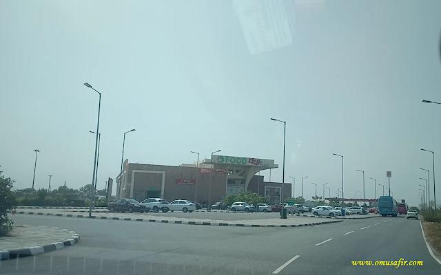 Food Plaza Lucknow Agra Expressway