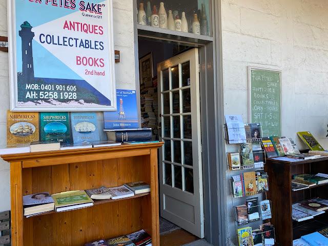 Queenscliff vintage shops books