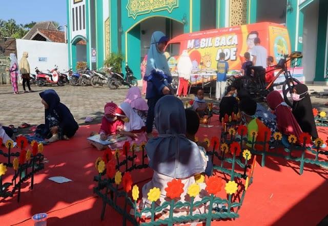 Anggota DPRD Lampung, Mobil Baca Mengunjungi di Kecamatan Langkapura
