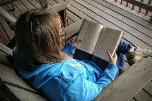 The Storied Mom Reading Challenge #readinglifestye #christianbooks #christianmoms #motherculture