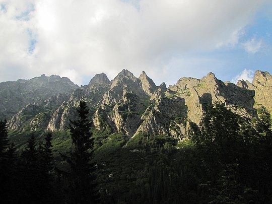Zimnowodzka Grań (słow. Prostredný hrebeň, niem. Mittelriegel, węg. Középgerinc).