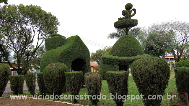 Praça Tancredo de Almeida Neves, Victor Graeff