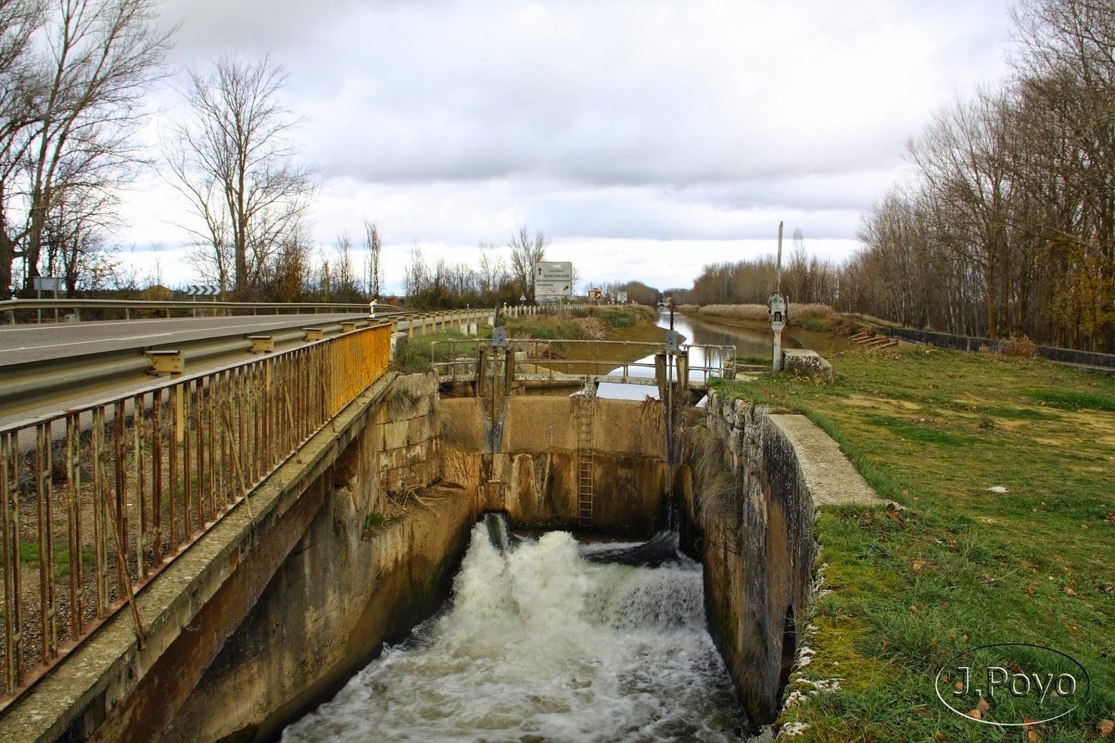 Canal de Castilla a su paso por Frómista
