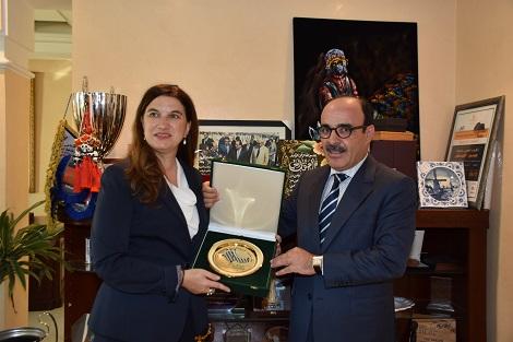 العماري يلتقي سفيرة كندا لدعم الاستثمار بالمغرب