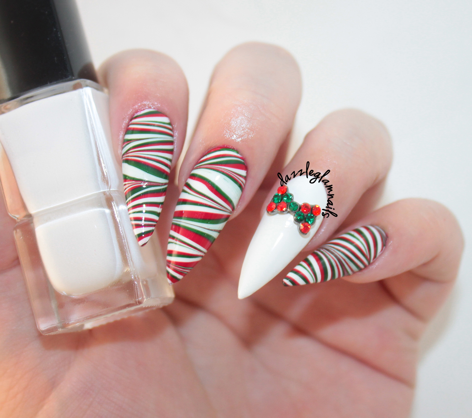Dorable Christmas Water Marble Nails Crest - Nail Paint Ideas ...