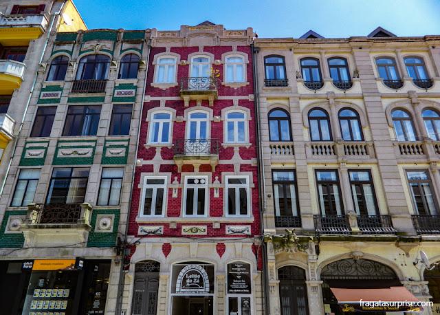 Azulejos portugueses nas fachadas da Cidade do porto