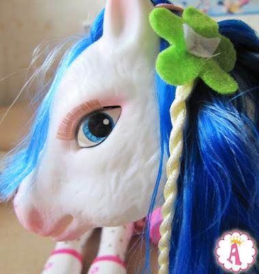 Лошадь пони из набора Nancy and Her Fantasy Pony Famosa