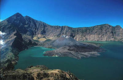 Top 10 Tourist Attractions in Indonesia Lake Toba