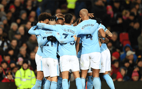 Pemain Manchester City merayakan gol David Silva