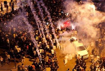 #صور من الاشتباكات بين المحتجين اللبنانيين وأجهزة الأمن
