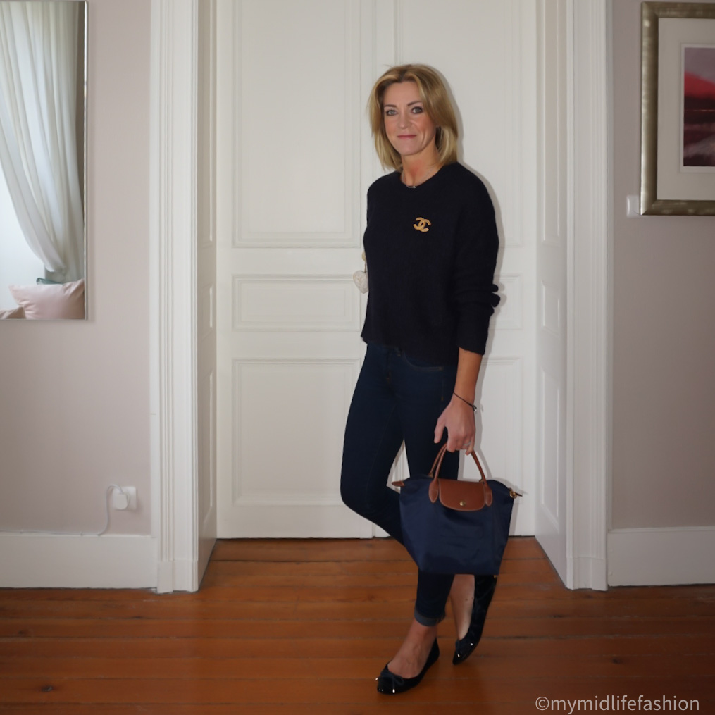 my midlife fashion, acne studios cropped crew neck jumper, longchamps pilate  tote,  Chanel  brooch, j crew 8  inch toothpick skinny jeans, Burberry two tone ballet flats