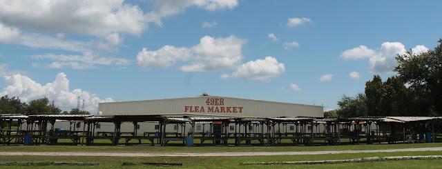 Flea Market en la CR 611