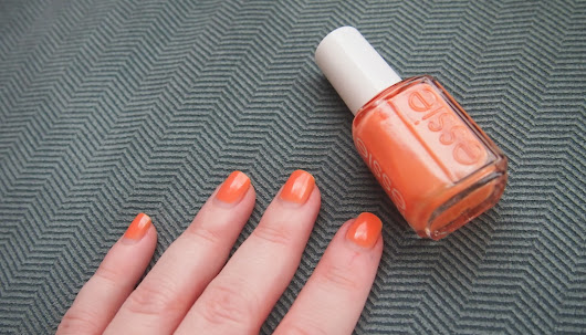 Essie Resort Fling | Swatch
