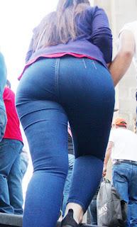 chava guapa jeans apretados