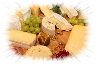 Käse schützt die Zähne, da sein Fett als natürlicher Kariesschutz fungiert. Ausserdem können