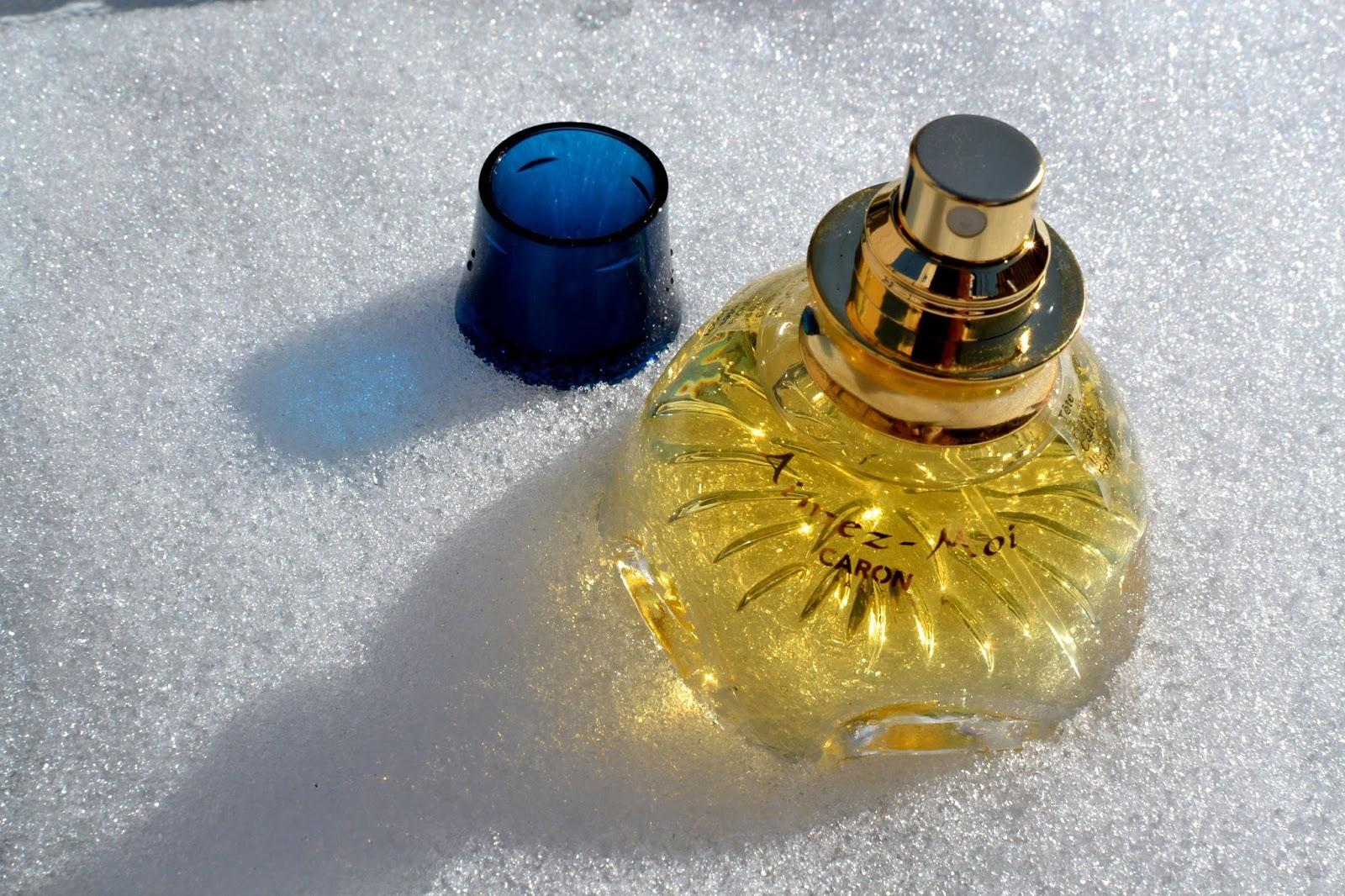 Caron Aimez-Moi perfume