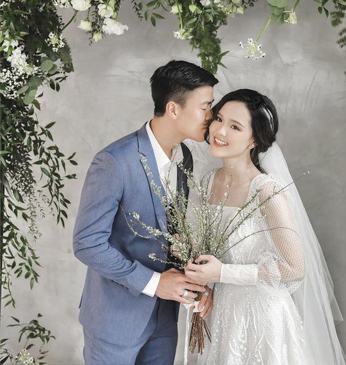 Duy Mạnh - Quỳnh Anh