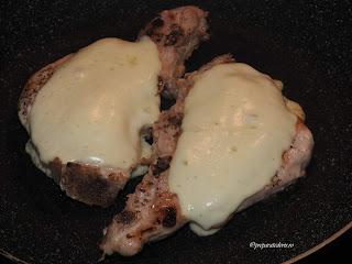 Friptura de porc la tigaie cu cas reteta,