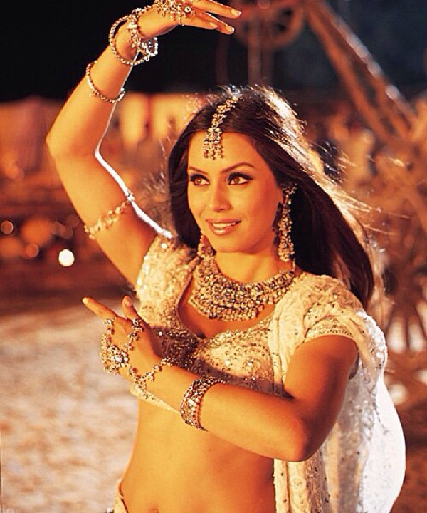 Mahima Chaudhry Sexy Photos