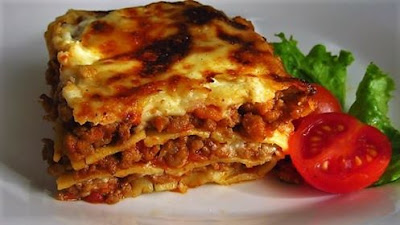 Amazing lasagna with bechamel sauce
