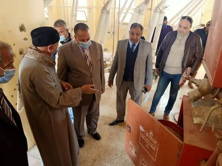 الطيبي والرقابه الإداريه لمحافظة أسيوط وضبط أحد المطاحن يقوم بانتاج دقيق مخالف للمواصفات