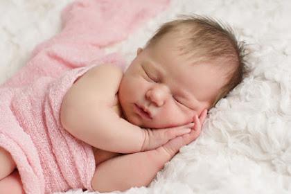 Ketahui Jam Normal Tidur Bayi Berdasar Usia