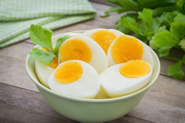 8 Makanan Penyubur Kandungan yang Bisa Dikonsumsi Agar Cepat Hamil