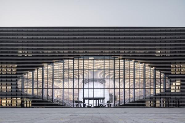 ห้องสมุดเทียนจินปินไห่ (Tianjin Binhai Library: 天津滨海新区图书馆)