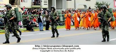 Foto del desfile del Comité de Autodefensa del Corredor de la Selva por Jesus Gómez