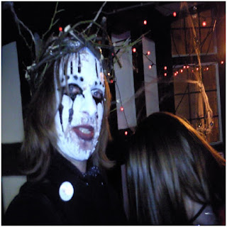 Halloween face paint ideas for guys, Halloween face paint ideas for boys, Cute face paint ideas for adults, Easy face painting ideas for cheeks, Face paint ideas for girls, Scary face paint