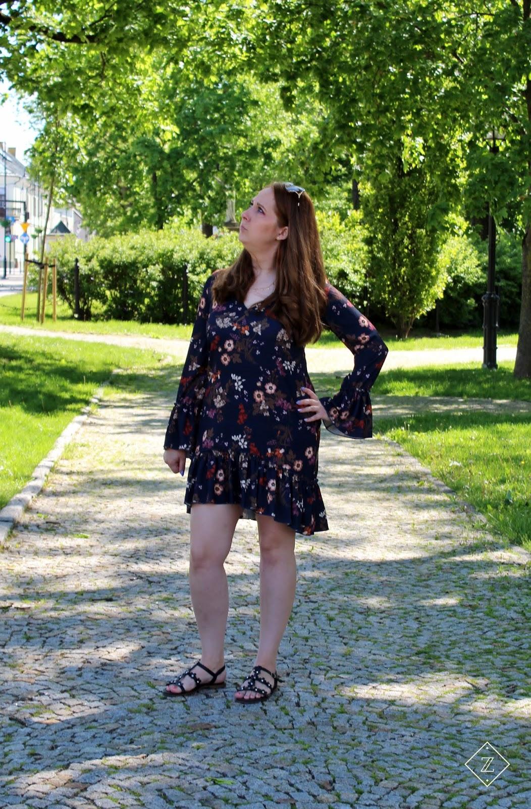 Sukienka AURELIA w kwiaty - SENSISTORE FASHION