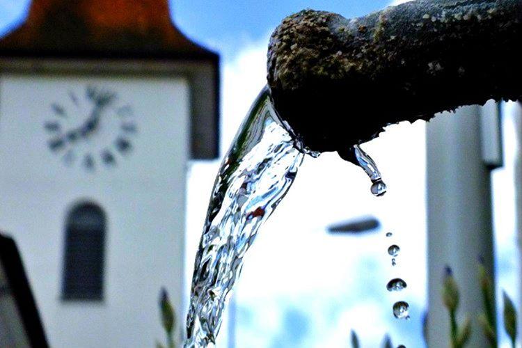 Ülkede kullanılan elektrik sudan ucuzdur. Sebebi Moldova'da su kullanımının oldukça pahalı ücretlendirilmesidir.