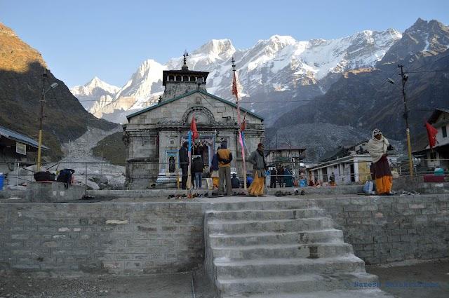 Kedarnath Temple से जुडी रोचक और रहस्यमयी कहानियाँ।