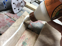 Gluing the support piece