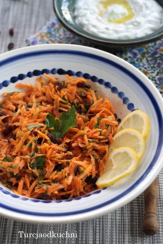 Arabska surówka z marchewki